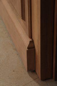réalisation fabrication porte en bois menuiserie