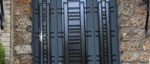 Reproduction isolante d'une porte ancienne des années 30