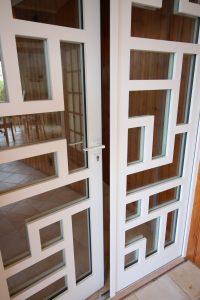 reproduction isolante d'une porte contemporaine